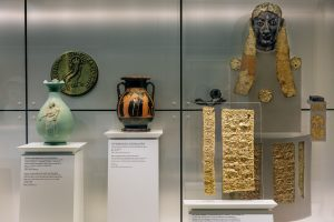 Coins and Exhibits2-Cycladic Arts Museum
